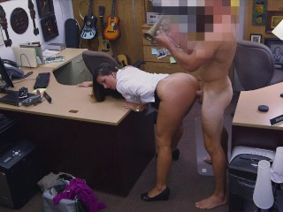 XXXPAWN – Delicious PAWG Madisin Lee Tries To Pawn Some Stolen Goods, Gets Caught