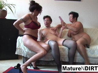 Lesbian 3some action with hot grannies!