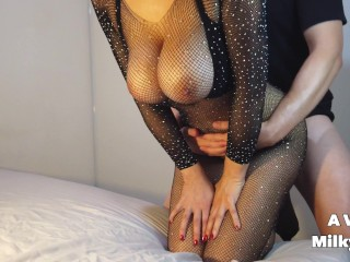 Big natural tits hottie fucking and riding a dick in her new catsuit – AVeryMilkyWay