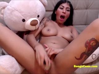 BongaCams latina darling live blowjob and cumming on cam