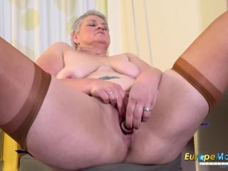 EUROPEMATURE British Mature lady Self self masturbation pussy