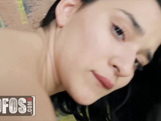 Mofos – Sexy Teen Mia Navarro Fills Her Tight Pussy & Her Pockets In A Public Space