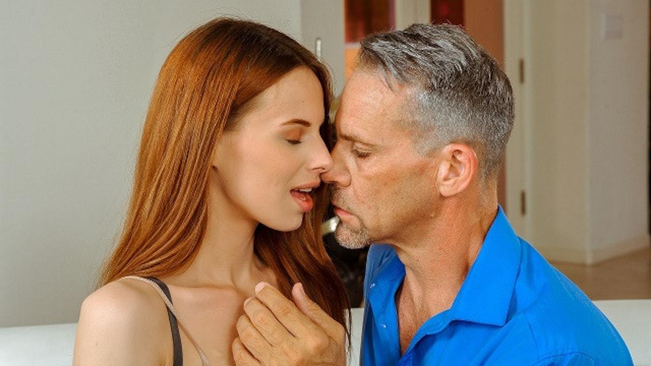 DADDY4K Hombre astuto seduce a la linda novia de su hijo antes de la ceremo ...