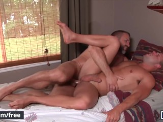 Men – Luke Adams Makes Out With His Dad's Best Friend Dirk Caber