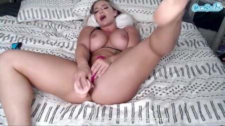 Big Tits Cali Carter plays with herself on cam
