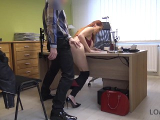LOAN4K Pelirroja seductora quiere una clínica veterinaria y sabe cómo conseguirla