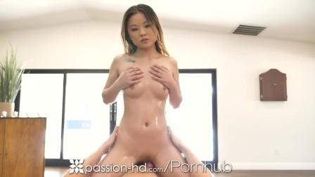 PASSION-HD Tight Pussy Lu Lu Chu Massages Big Dick