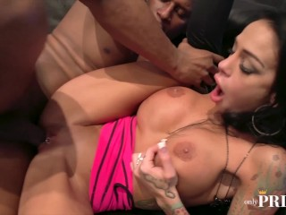 Onlyprince – Brunette Slut Fake Tits Tattoos Fucked by BBC