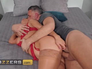 Brazzers – Keiran Lee Becomes Flustered & Aroused By Tru Kait's Tits & Ass And He Can't Hide It